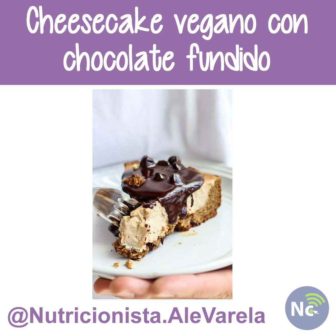 Cheesecake vegano con chocolate fundido